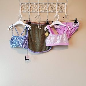 Children's 4 pc collection.   Size S (6/6x)
